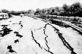 地震后的公路