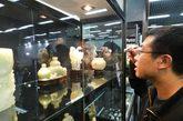 """为期4天的""""2011北京·中国文物国际博览会""""在中国国际贸易中心开幕。"""