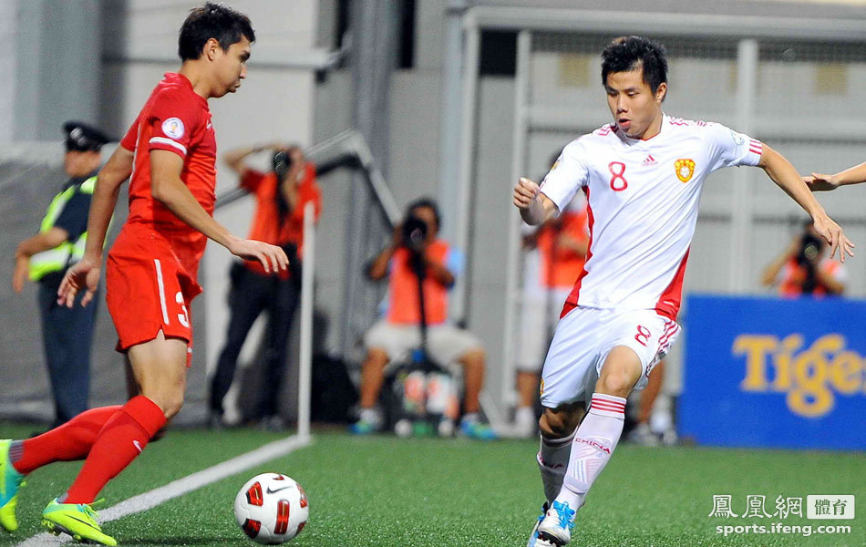 世预赛:国足4-0新加坡 郑铮两球李玮锋头球建功