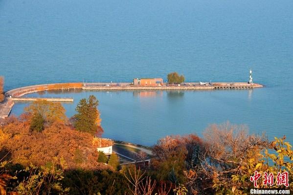匈牙利多瑙河贯穿全境 异域秋色醉人心