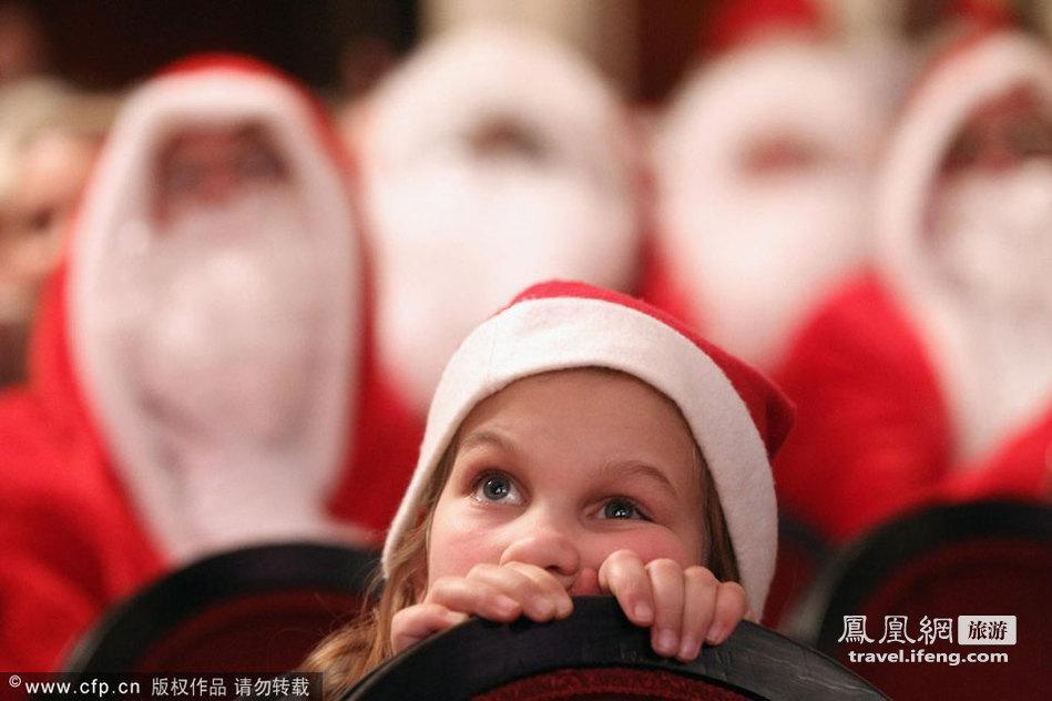 圣诞将至 柏林举行圣诞老人大聚会
