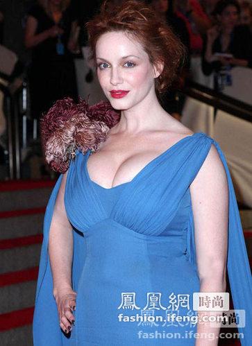 世界最瘦女人图片_英国女人胸围全球第一 34D丰满身材获盛赞_时尚频道_凤凰网