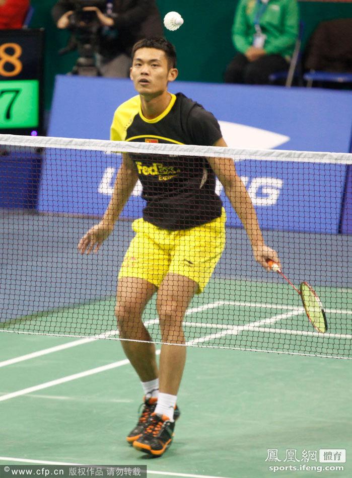 2011羽毛球超级赛总决赛男单B组首轮:林丹2-1谌龙[高清]
