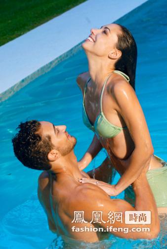 美女与锰男性交_男人更喜欢与丰满女人做爱
