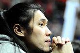 北京时间12月16日,2011-2012赛季CBA第12轮上海92-90山西。图为曾文鼎。