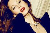 波兰名模乔安娜-克鲁帕登上俄罗斯版《Maxim》,大展性感比基尼诱惑。