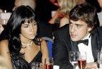 西班牙车手阿隆索与歌星妻子正式离婚(组图)