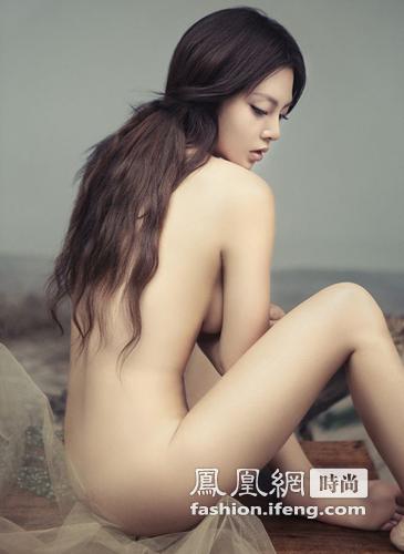 """四川""""美胸女神""""挑战身材 演绎性感女郎(图)_时尚频道_凤凰网"""