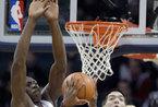 NBA-热火客场96-95险胜山猫[高清大图]
