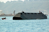 """据称,美海军已经把从""""海影""""战舰的试验中获得的数据和设计资料,用于其他舰艇设计和改进方面。(资料图)"""