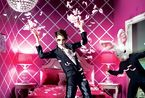 众超模齐聚 演绎2011时尚彩妆月历