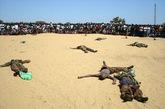 被反政府武装打死的政府军士兵。