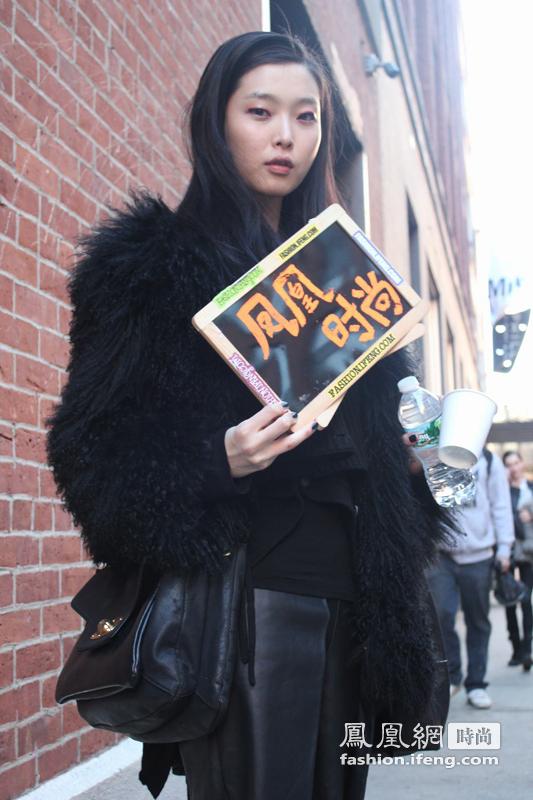 时尚列车始发站 凤凰时尚记录街头潮人