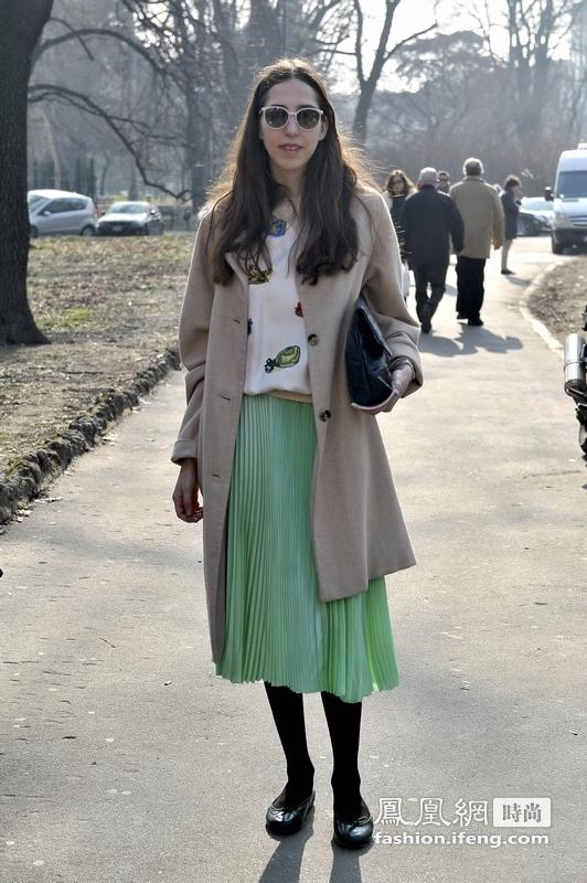 米兰时装周达人回顾 街头流行长裙混搭
