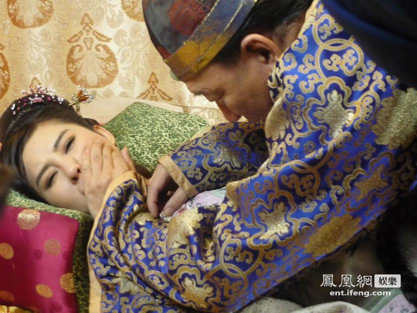 《公主回宫》开机 邓建国回应新恋情:喜欢年轻