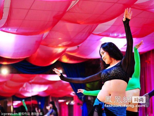中国女人爱上肚皮舞