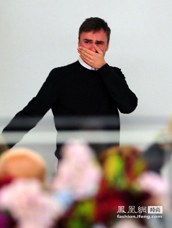 Raf Simons卸任 在Jil Sander专场秀现场泪流满面