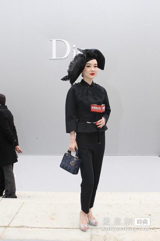Dior秀场星光熠熠 李小璐大受欢迎遭总裁搂腰