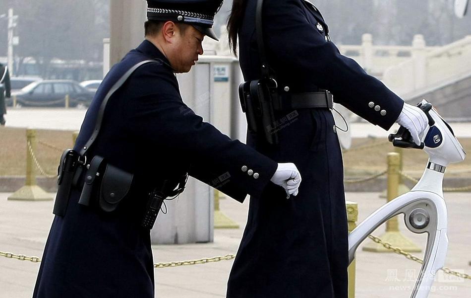 警察敬礼素材 敬礼的警察简笔画图片 警察敬礼图片