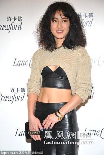 安徽姑娘陈燃成中国时尚圈新宠 大胆穿着成就地位
