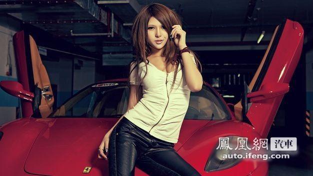 清纯美女驾驭激情烈马 超跑法拉利F430