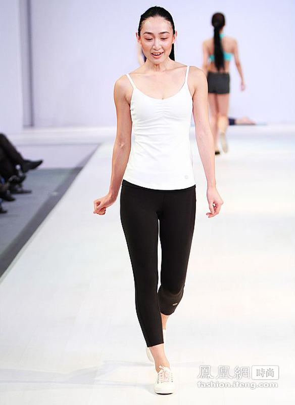 CHIC中国国际服装服饰博览会 easyoga2012春夏新品发布会