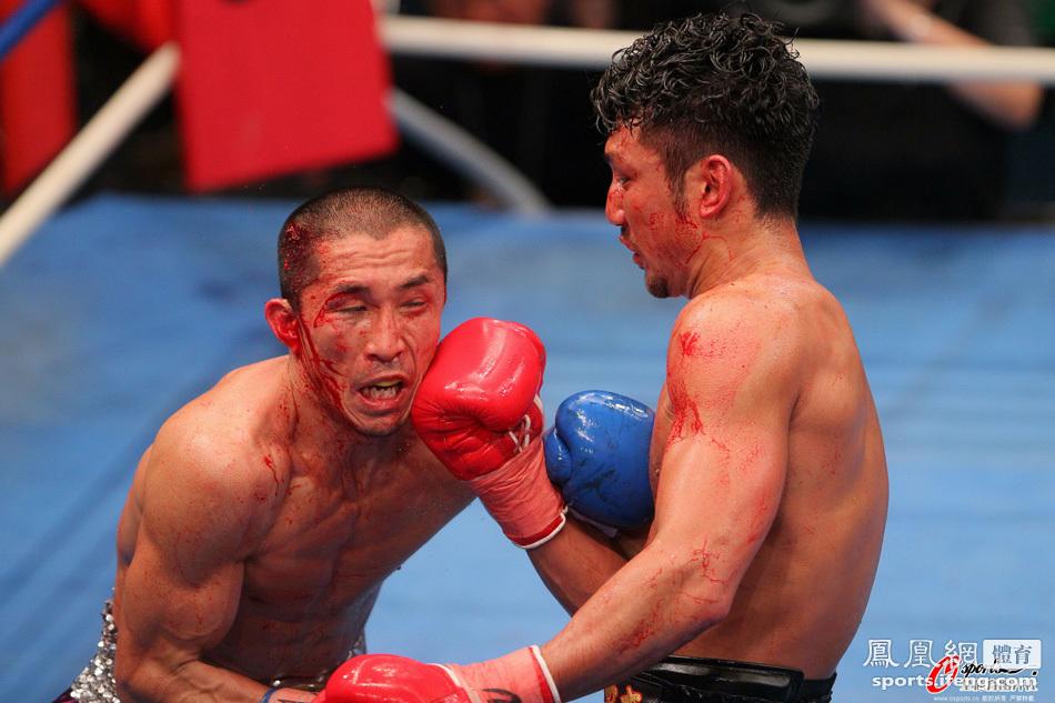 WBC拳王争霸赛 拳手浴血奋战