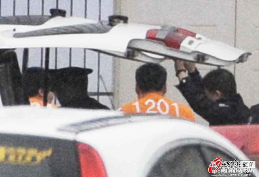 申思、祁宏、江津、李明押至庭审现场[高清]
