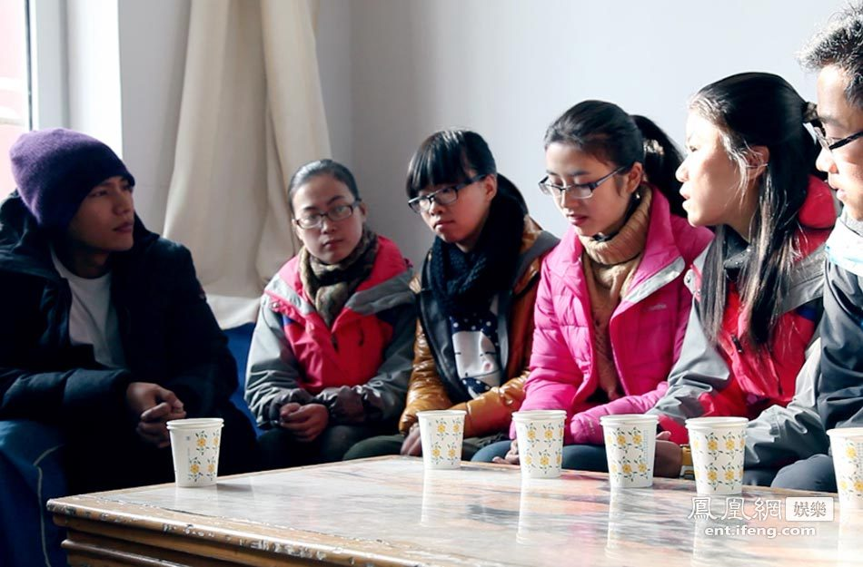 孙冕先后走访了西宁聋哑学校、湟中县共和小学、盘道小学、山甲图片