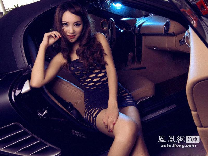 镂空新感觉 性感时尚美女车模魅不可挡 派喜论