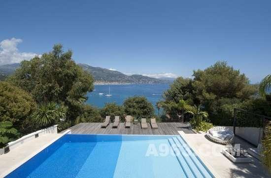 法国地中海沿岸的六居别墅设计欣赏