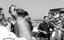 三亚导游被游客打伤