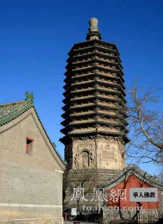 """建筑学家梁思成曾经盛赞天宁寺塔的建筑设计,称它""""富有音乐的"""
