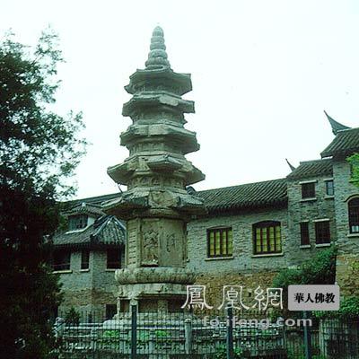 南唐孤塔:江苏南京栖霞寺舍利塔