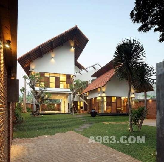 住宅设计欣赏:雅加达热带雨林乡村别墅