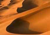 巴丹吉林沙漠腹地