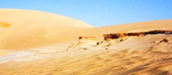 赤峰科尔沁沙地:拥有神秘的响沙和丰美的绿洲