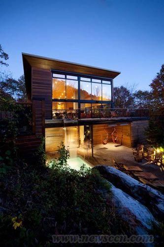 加拿大半山視野極佳的別墅設計