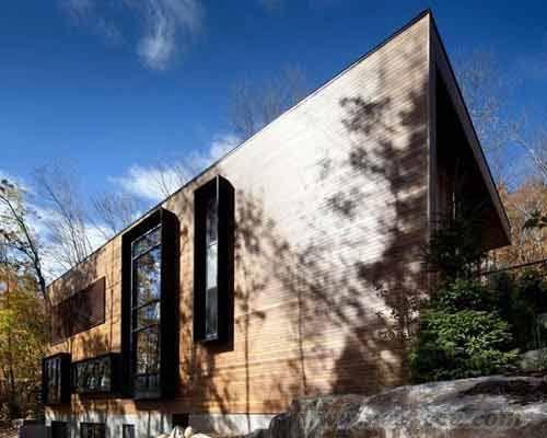 加拿大半山视野极佳的别墅设计