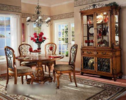 由于现代风格,欧式风格等家具的流行,长方形的西餐桌是众多家庭的首眩