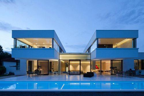 俯瞰一幢惊人住宅