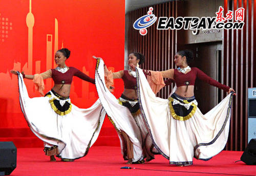 手绘印度女舞者