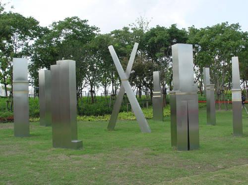 迎来芝加哥日 雕塑 家 落成上海世博园