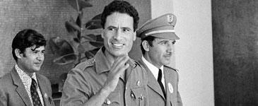 卡扎菲14岁组革命团体 27岁推翻皇室