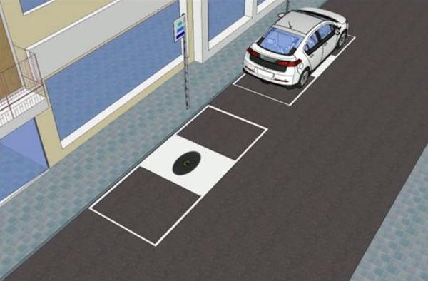 电动汽车司机在无线充电站停车,无需插头就能充电。