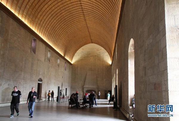 可容纳2000人的教皇宫庭院也是阿维尼翁戏剧节的重要剧场之一.图片