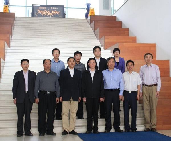 视察组就天津大学土木工程专业本科教育办学特色和