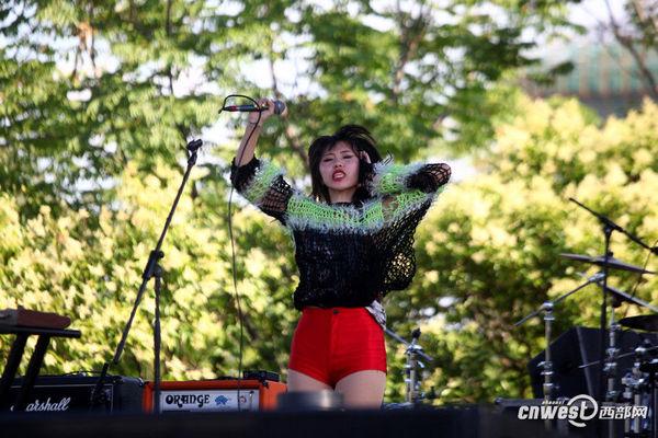 高清组图:西安森林音乐节落幕 端午节歌迷狂欢