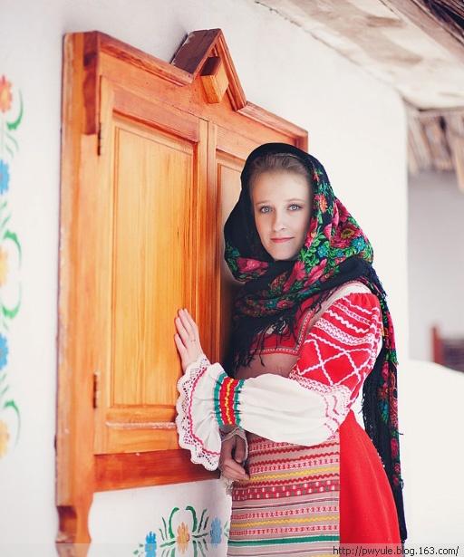 俄罗斯妈妈与儿子乱_俄罗斯怀孕中的美女妈妈