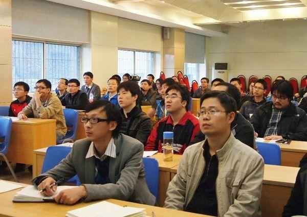 美国博通公司高级主任科学家江习承博士到校做ic前沿